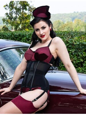 What Katie did Waist Cincher Schwarz
